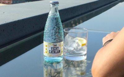Cinco falsos mitos sobre el agua con gas